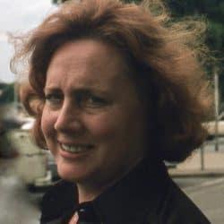Mme Françoise Dessureault Kremer