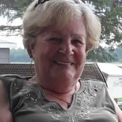 Mme Laurette Claude (née Bérubé)