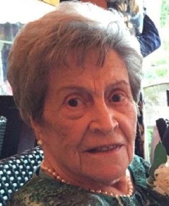 Mme Margaret Genovesi (Feehan)