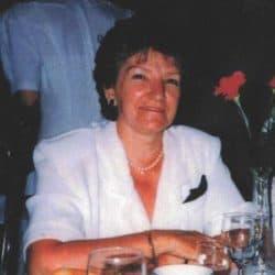 Mme Lucille Lacroix (née Véronneau)