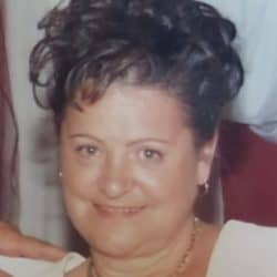 Mme Suzanne Carrière