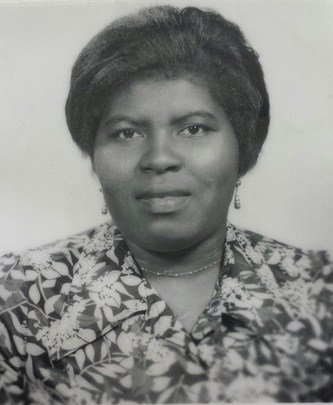 Mme Norma Brown