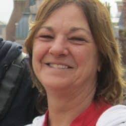 Mme Suzanne Lacroix