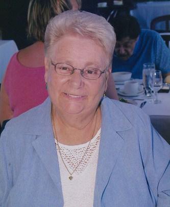 Mme Yolande Benoit (née Clément)