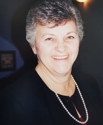 Mme Suzanne Messier (nee Dubois)