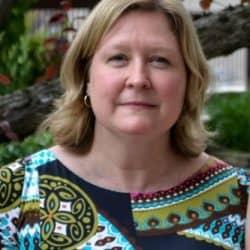 Mme Christine Skelton