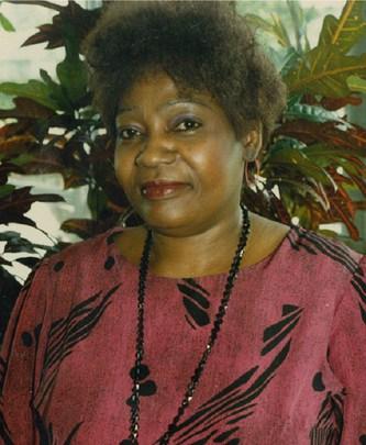 Mme Muriel Gibson
