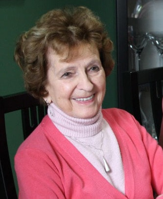 Mme Therese Bergeron Halpin