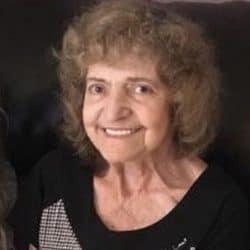 Mme Claudette Carrière
