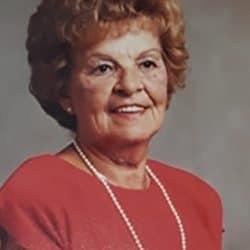 Mme Estelle Pomerleau
