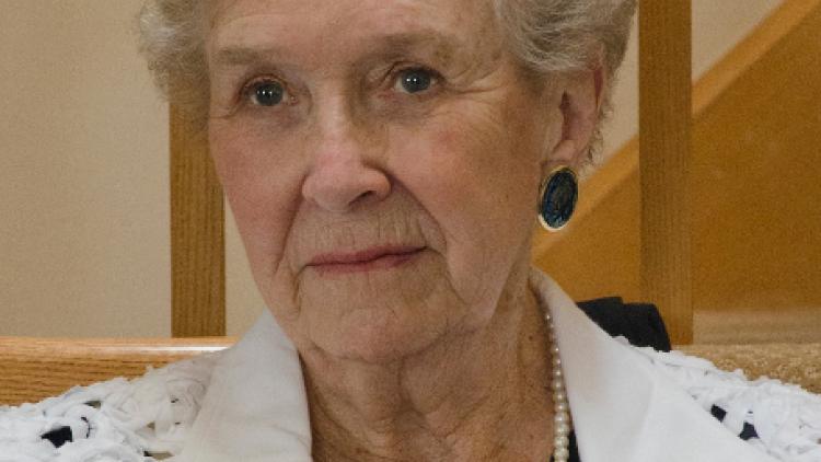 Mme Nancy Butt