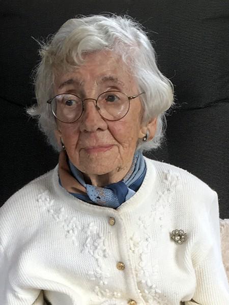 Mme Éva Dion Née Brouard