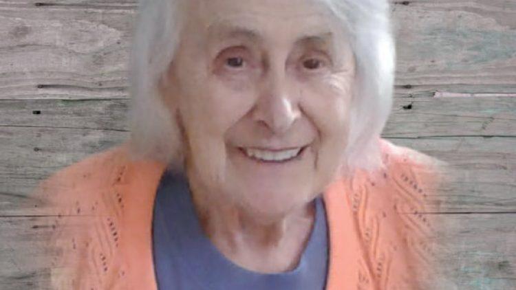 Mme Carmen Ferro  (Née Laplante)
