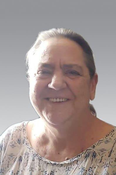 Mme Cindy J. Hosford